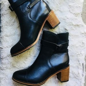 NWOB! Genuine leather buckle boots